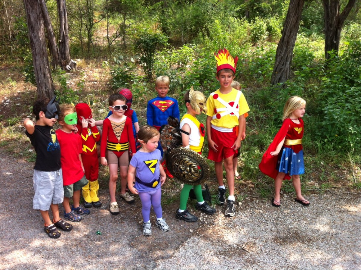 How to Throw a Super Cool, Super Hero Themed Birthday Party