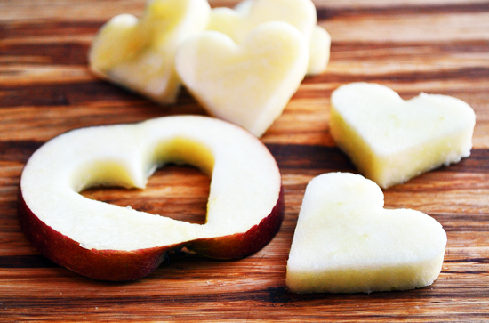 Image via http://duhlicious.com/2011/02/apple-candy-grams/