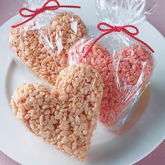 Image via http://providence.macaronikid.com/article/238102/pink-hearts-rice-crispy-treat