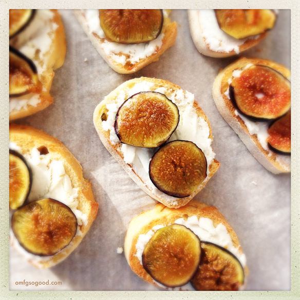 Image and recipe via http://omfgsogood.com/2013/11/17/roasted-fig-and-goat-cheese-crostini/