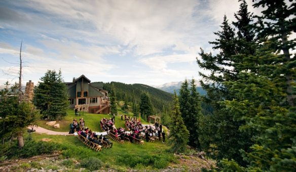 Image of Sundeck Wedding at The Little Nell via http://www.thelittlenell.com/Information/Photo-Gallery